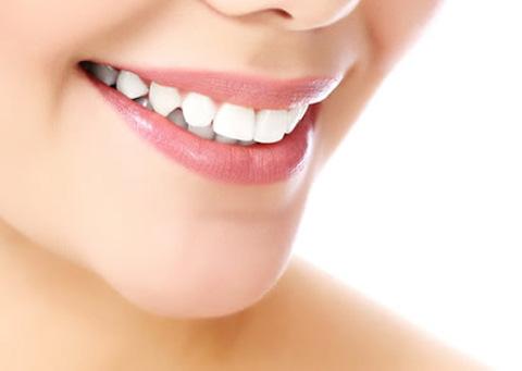 dentista especialista en ortodoncia en gijón, brackets tradicionales Invisalign